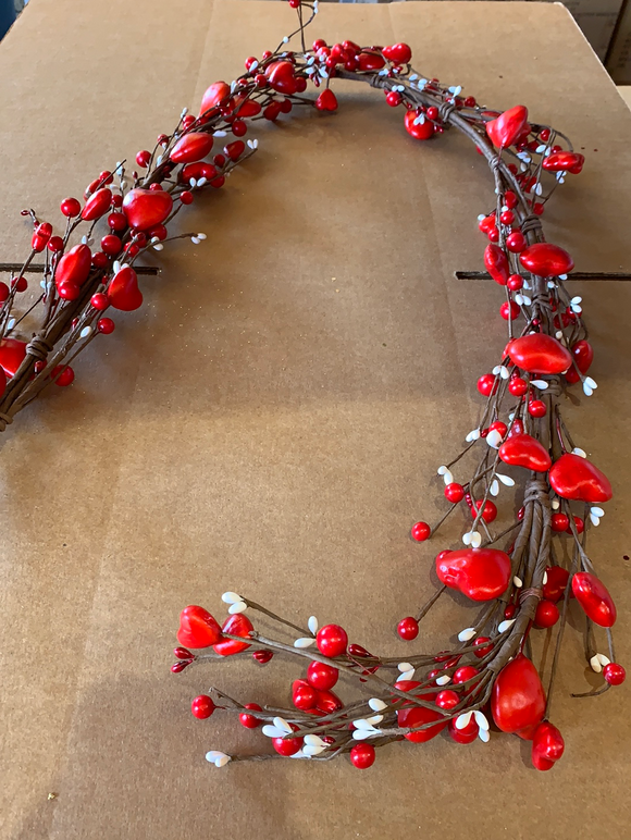 5 Ft Heart Berry Garland 61572 - DecoExchange