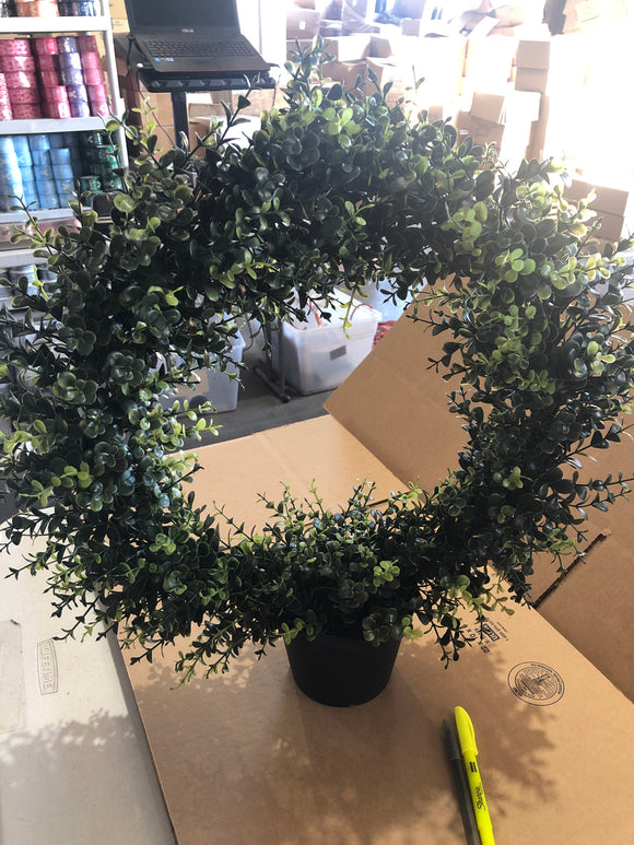 PLS EUCALYPTUS CENTERPIECE WREATH 21
