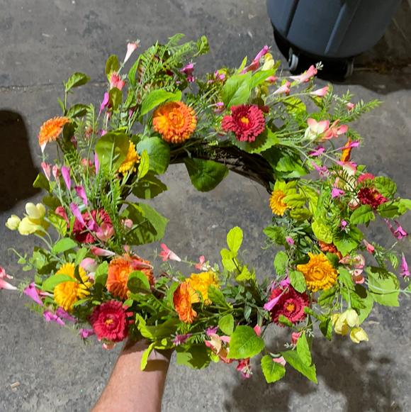 24 In Mix Flower Wreath 62233