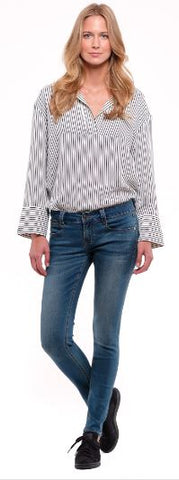 Skinny Jean Lake Wash