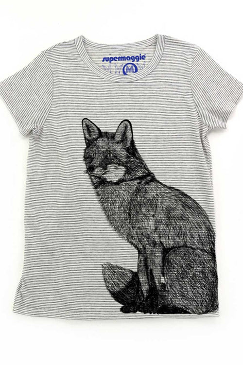 The Sally from Supermaggie is made from a soft eco-jersey and features a unique graphic of a fox.  Made from a light weight eco-jersey (made from recycled materials and organic cotton)