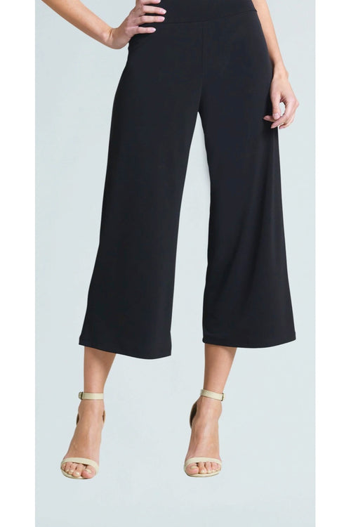 The Modern Solid Knit Pull On Gaucho pants feature a modern silhouette and are wrinkle free (perfect for travel).  From noted American clothing brand, Clara Sunwoo.