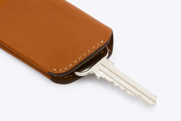 Bellroy leather key cover with magnetic closure  2nd edition