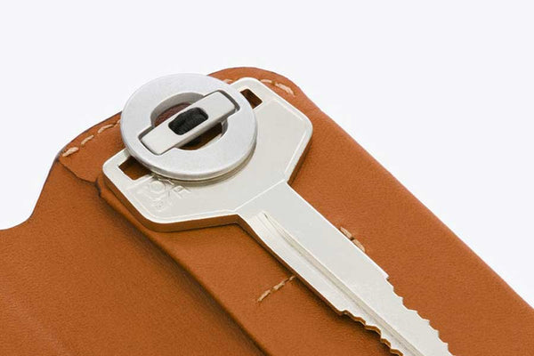 Bellroy leather key cover with magnetic closure version 2