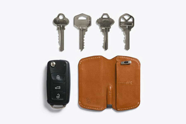 Bellroy leather key cover with magnetic closure