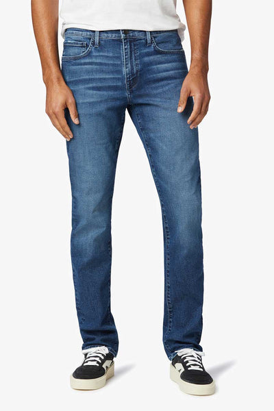 The Asher in the Ventura wash is a slim fit jean made with organic cotton and a bit of stretch so you can move.  The wash is medium dark and has a vintage vibe and a broken in feel.  This is organic clothing at it's best.