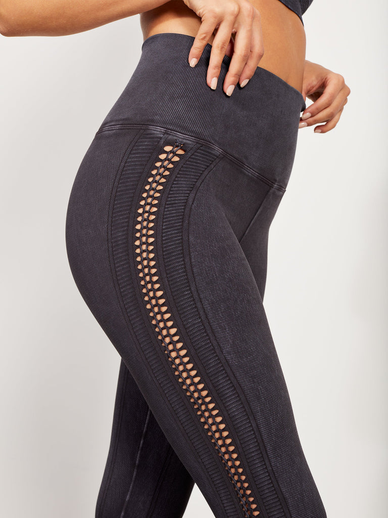 Braided Air Legging in Vintage Black
