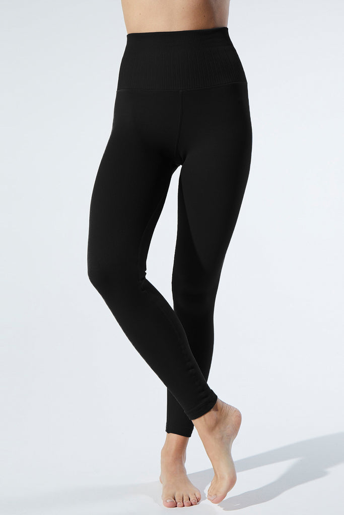 Universal Legging in Black