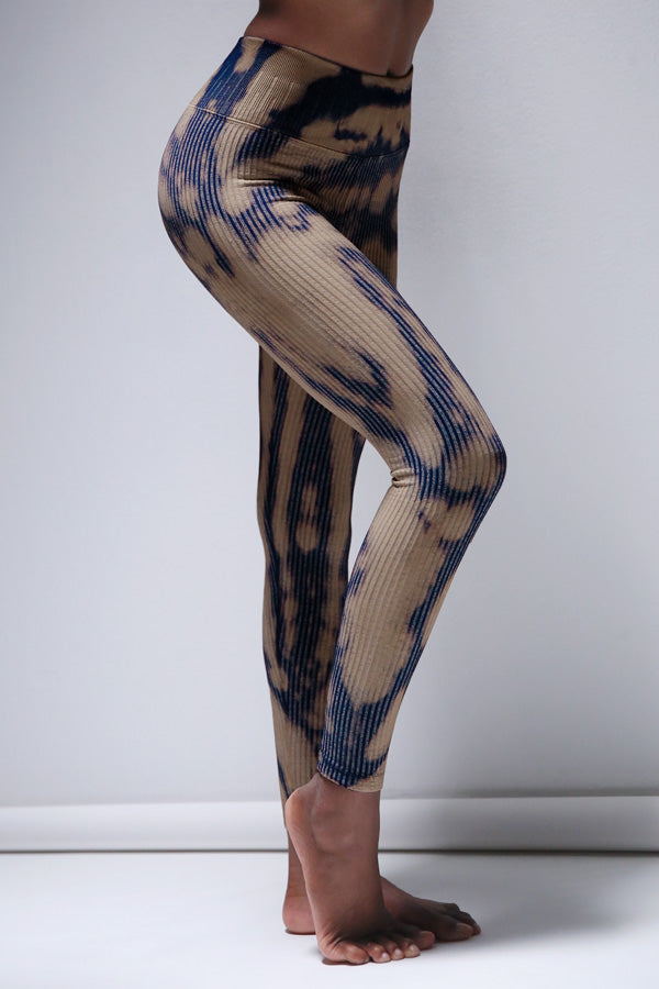 Aurora Riley 7/8 Legging in Blue Aurora