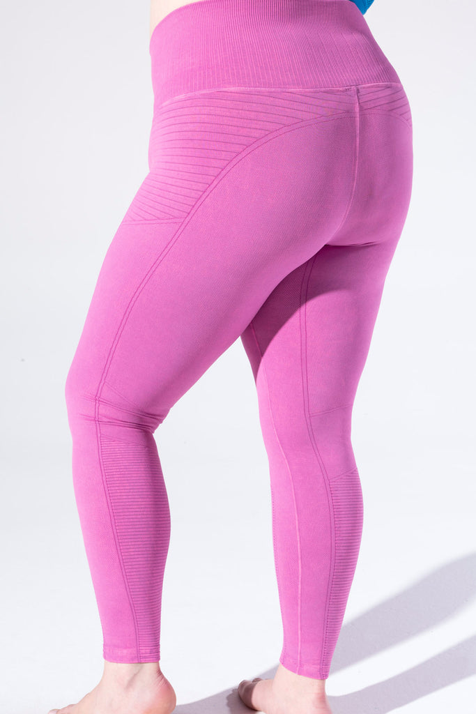 Vintage Phoenix Fire Legging in Vintage Beetroot Fuchsia