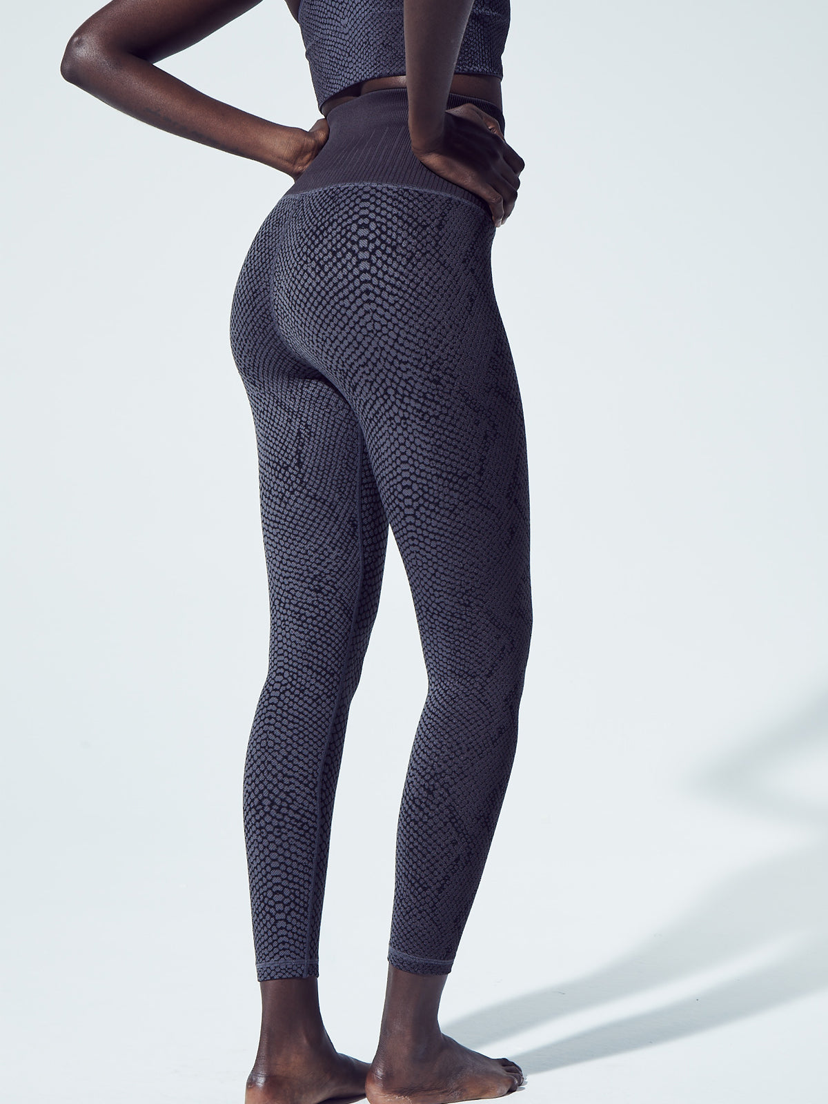 Snake Fire Legging in Charcoal