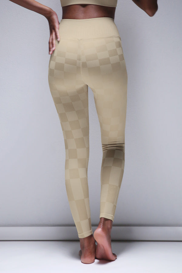 Checkered Legging in Silver Lining