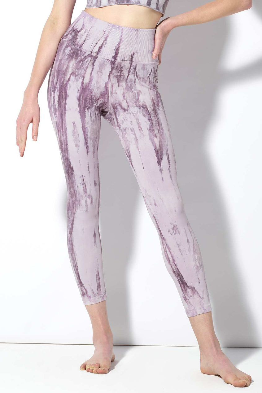 Crystal V-Back 7/8 Legging in Purple Agate Wash