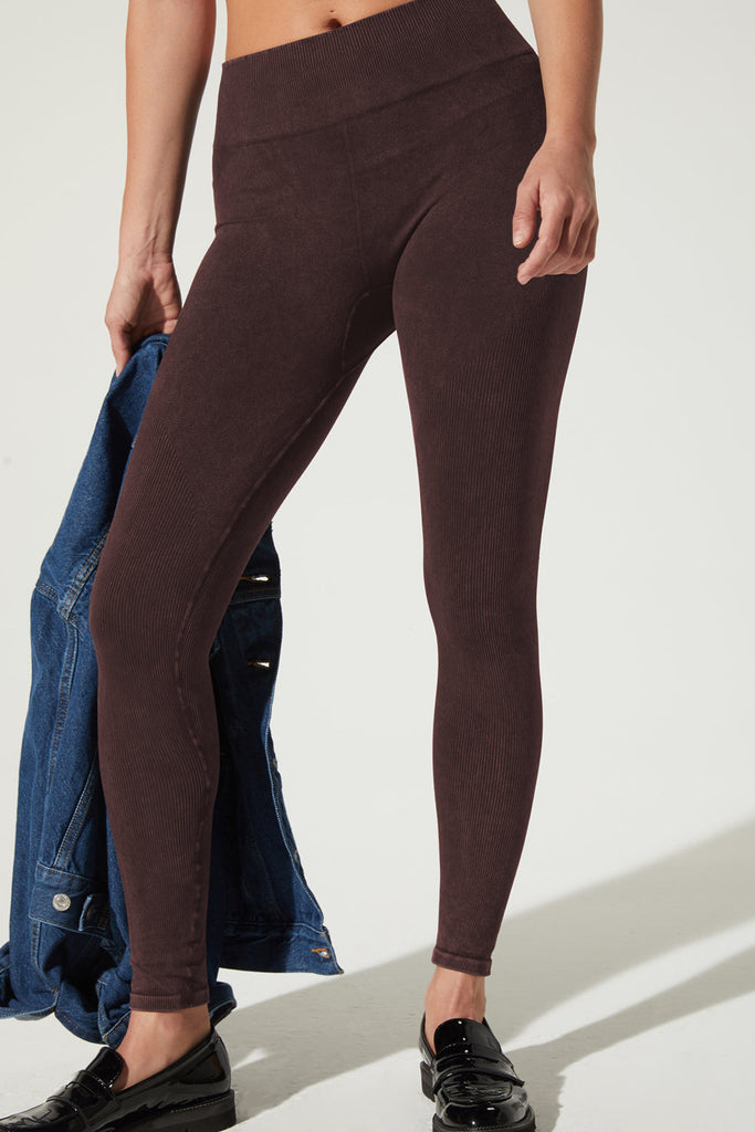 Earth Legging in Currant