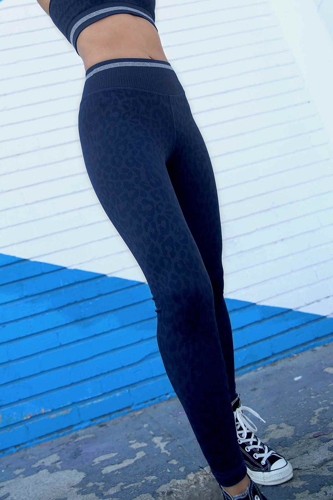 Leo Stripe V-Back Legging in Maritime Blue