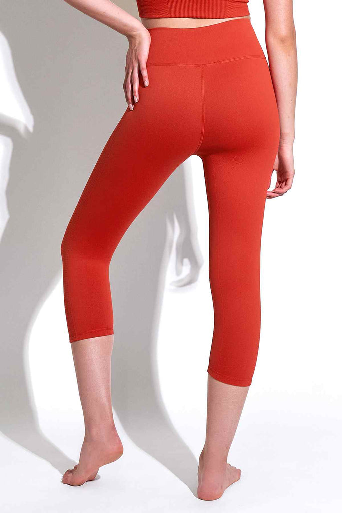 Mid Rise Air Capri in Aura Orange