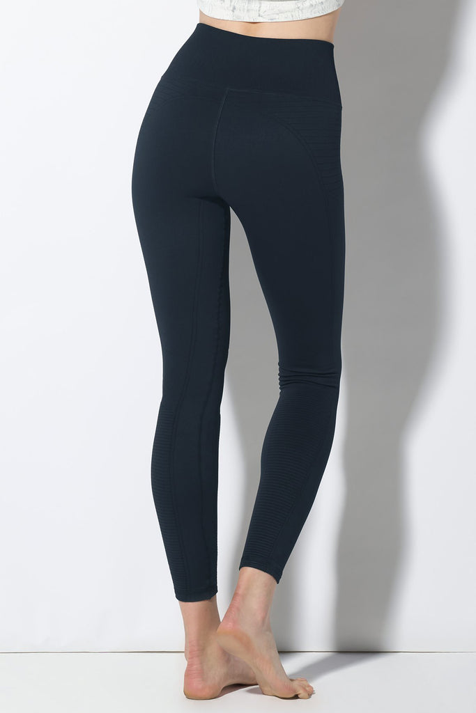 Mid Rise Phoenix Fire Legging in Midnight