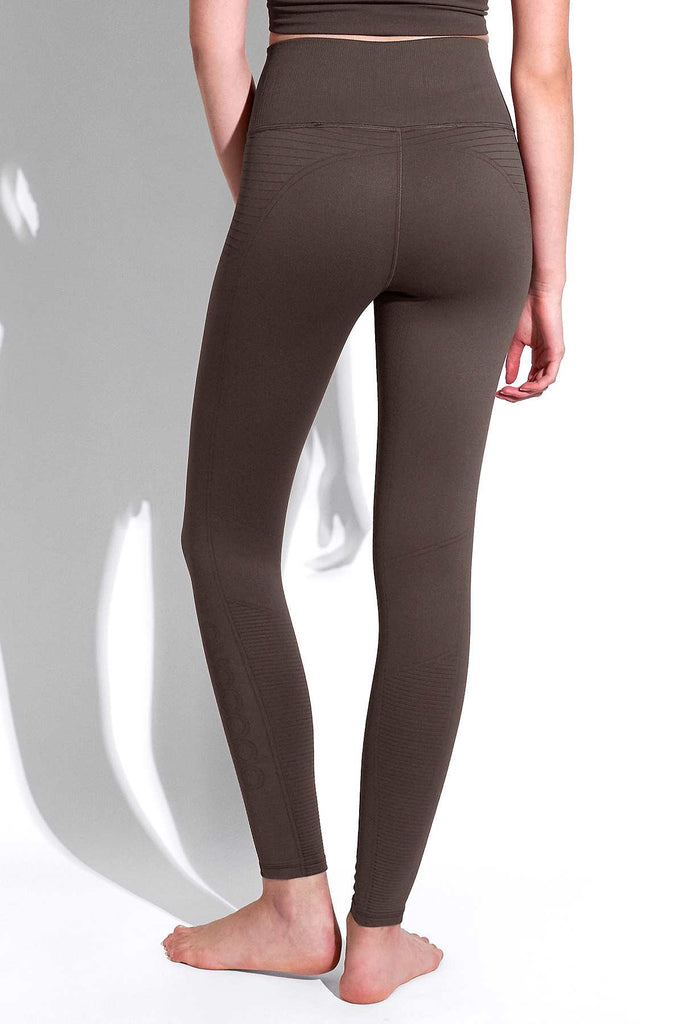 Mid Rise Phoenix Fire Legging in Chocolate Plum
