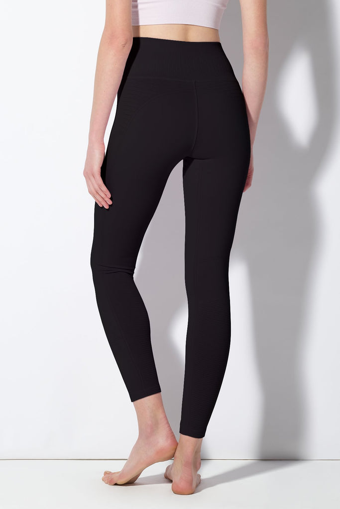Mid Rise Phoenix Fire Legging in Black