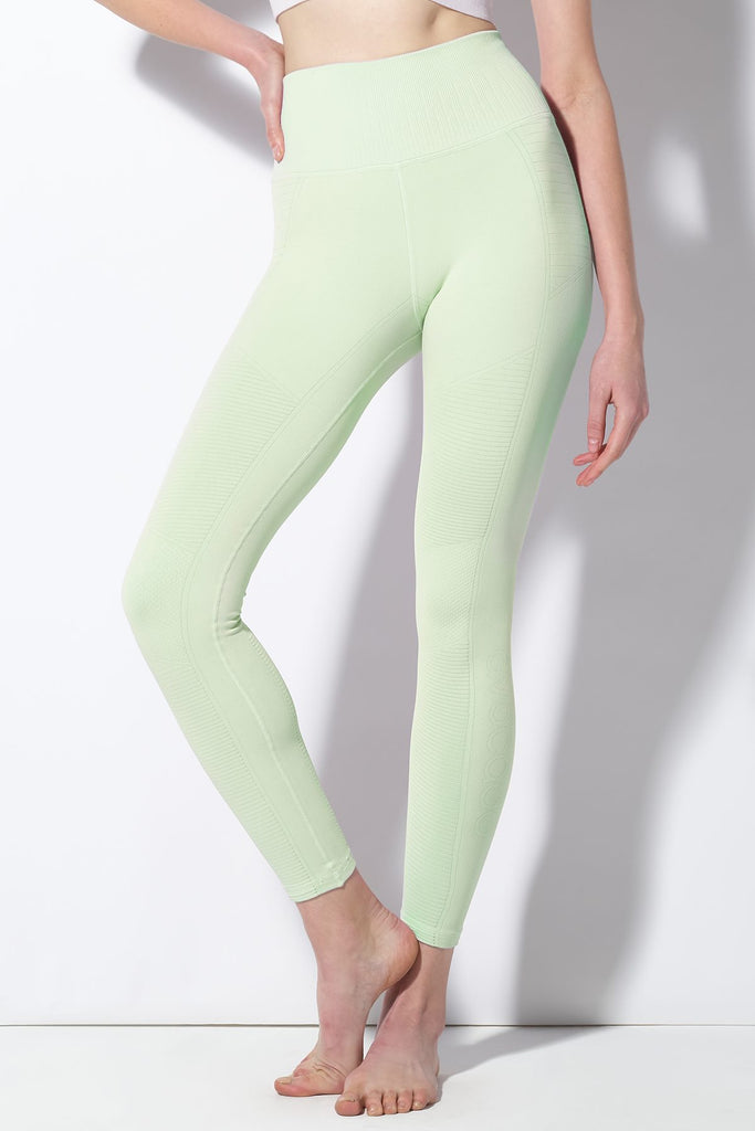 Mid Rise Phoenix Fire Legging in Mist Mint