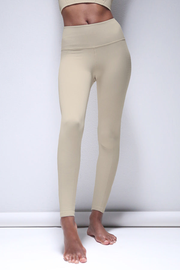 Mid Rise Phoenix Fire Legging in Silver Lining