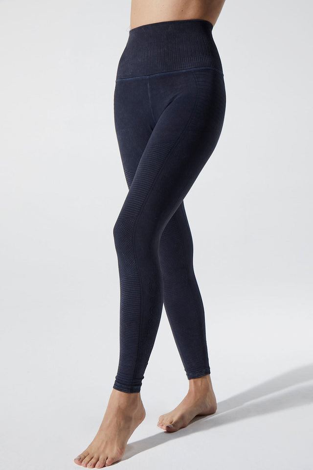 Phoenix Fire Legging in Midnight