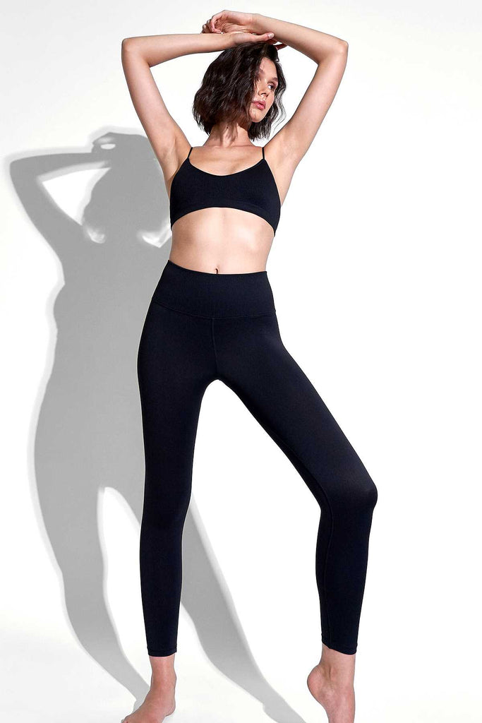V-Back 7/8 Legging in Black