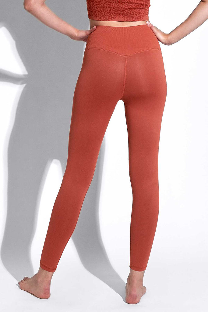 V-Back 7/8 Legging in Red Clay