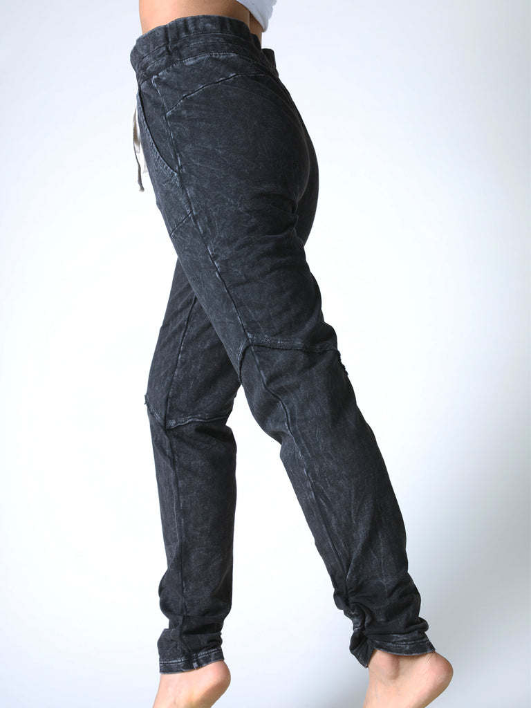 Suri Side Crunch Jogger in Vintage Black