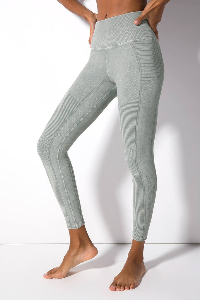 Mid Rise Phoenix Fire Legging in Vintage London Fog