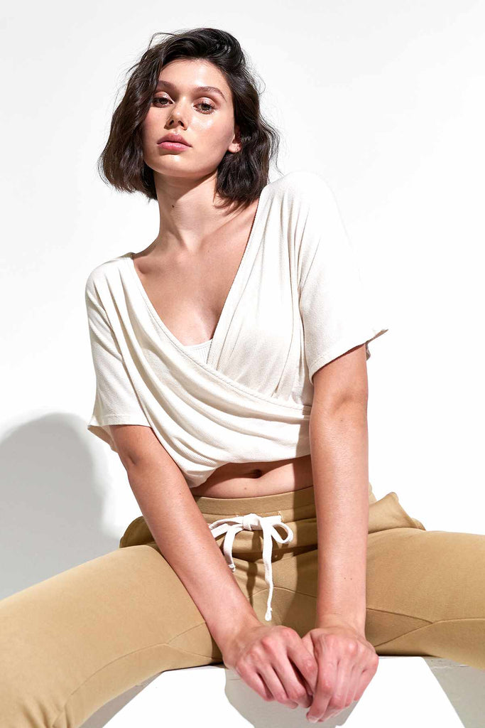 Wylie S/S Wrap Top in White Sand