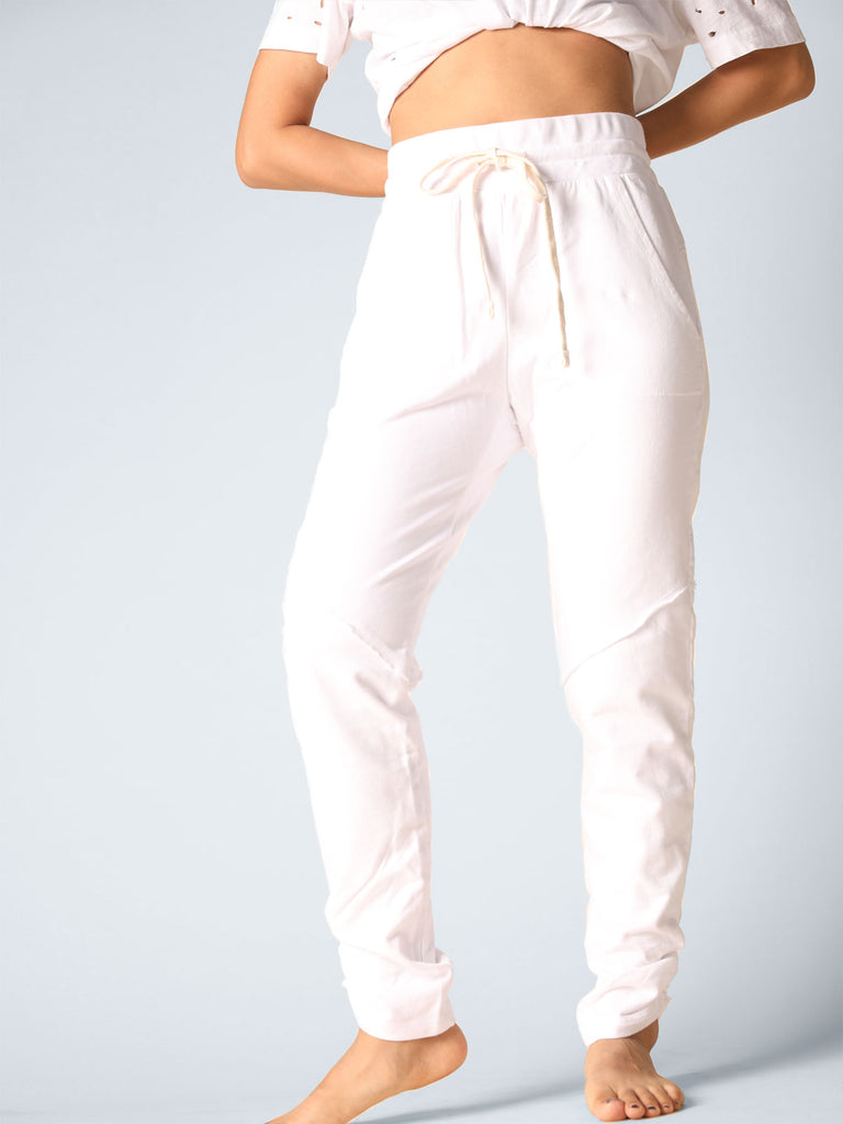 Suri Side Crunch Jogger in White