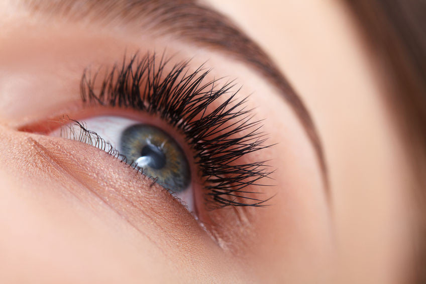 EYELASH EXTENSIONS AND ALLERGIES