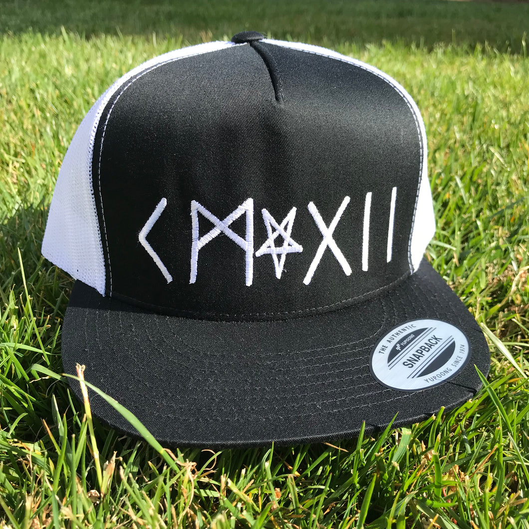 CLUB HAT BY HITZ - BLACK/WHITE