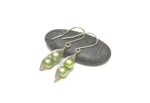 Two Peas in a Pod Pearl Earrings (Additional Pea Count Available)