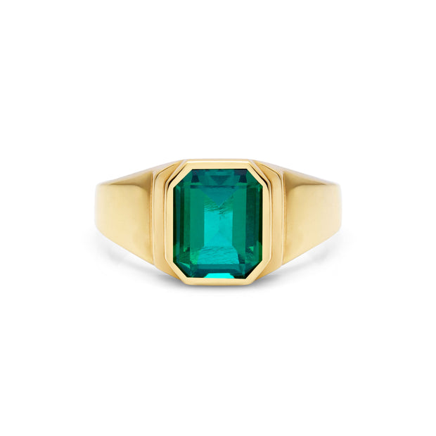 Classic Gold Emerald Ring