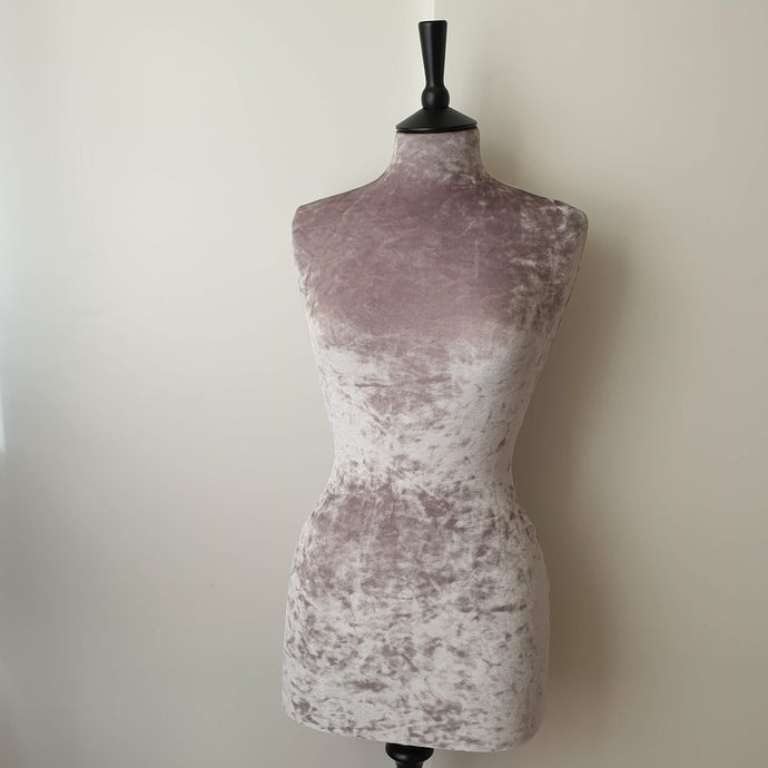Crushed Velvet Mannequin Soft Grey