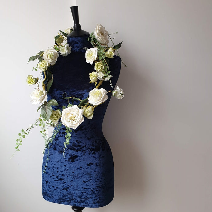 Crushed Velvet Mannequin Navy
