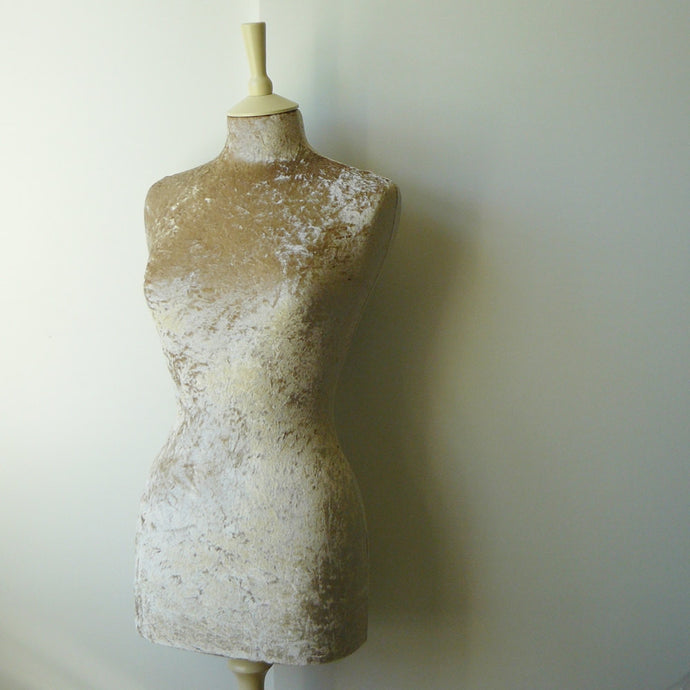 Crushed Velvet Mannequin Gold