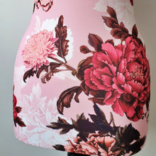 Mannequin Cover Floral Acantha Red