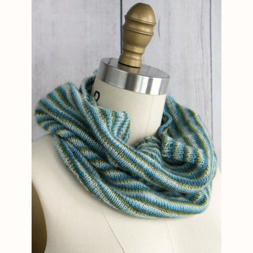 Free Knitting Pattern - Manos del Uruguay Pirouette Cowl - Downloadable PDF