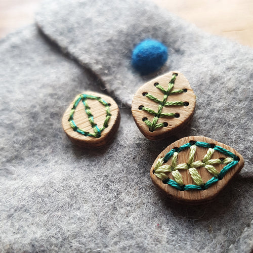 "Katrinkles Leaf Bamboo Buttons - 1/2"" x 3/4"""