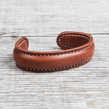 Lone Wolf Leather Cuff Bracelet Saddle Tan Tärnsjö Veg Tanned Light Seams