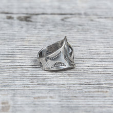 Munqa Newtive Peace Sign Silver Ring