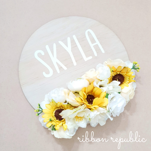 Personalised name plaque. Sunflower.