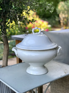 19th century French Soupier with a matching lid.