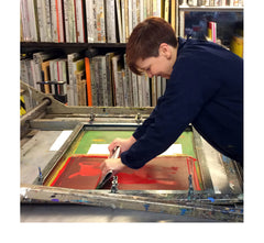 East London illustrator Tiff Howick screenprinting at Print Club London