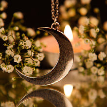 CRESCENT MOON | Silver Plated Necklace