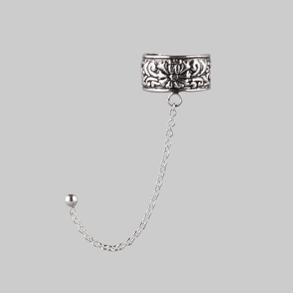 CIRCE | Ear Cuff & Chain