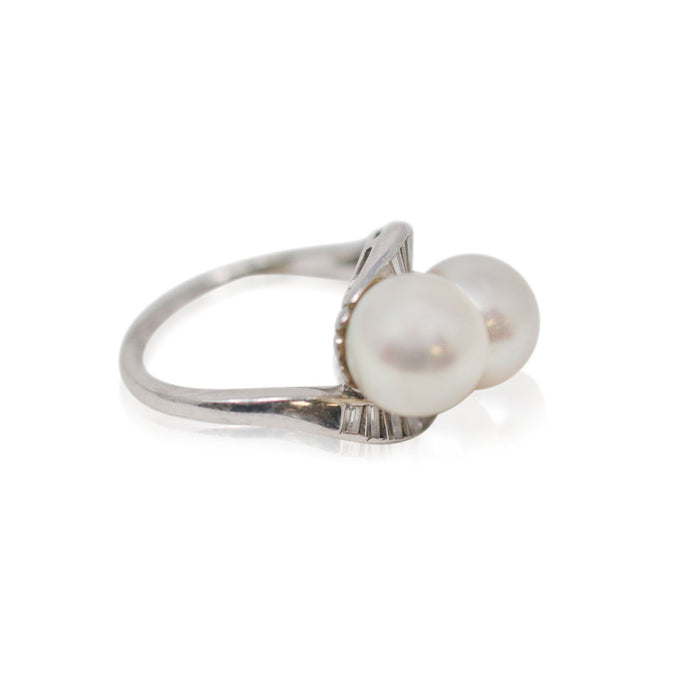 Platinum Pearl Ring - THE ANTIQUE GUILD - The Shops at Mount Vernon